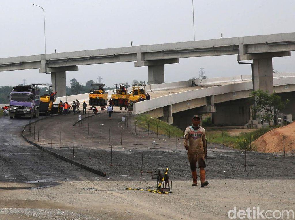 Rini: Jokowi Mau Bangun 1.260 Km Jalan Tol dalam 5 Tahun