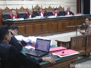 Sidang Kasus PWU, Dahlan Hadirkan Saksi Hamdan Zoelva