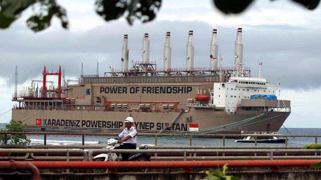 Deretan Kapal Genset Raksasa yang Terangi RI