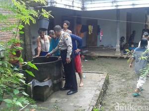 Jatuh ke Sumur Sedalam 8 Meter, Nenek Rikem Selamat