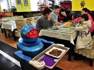 Bisa Tidur Siang hingga Dilayani Robot, Ini Restoran Unik di Dunia (2)