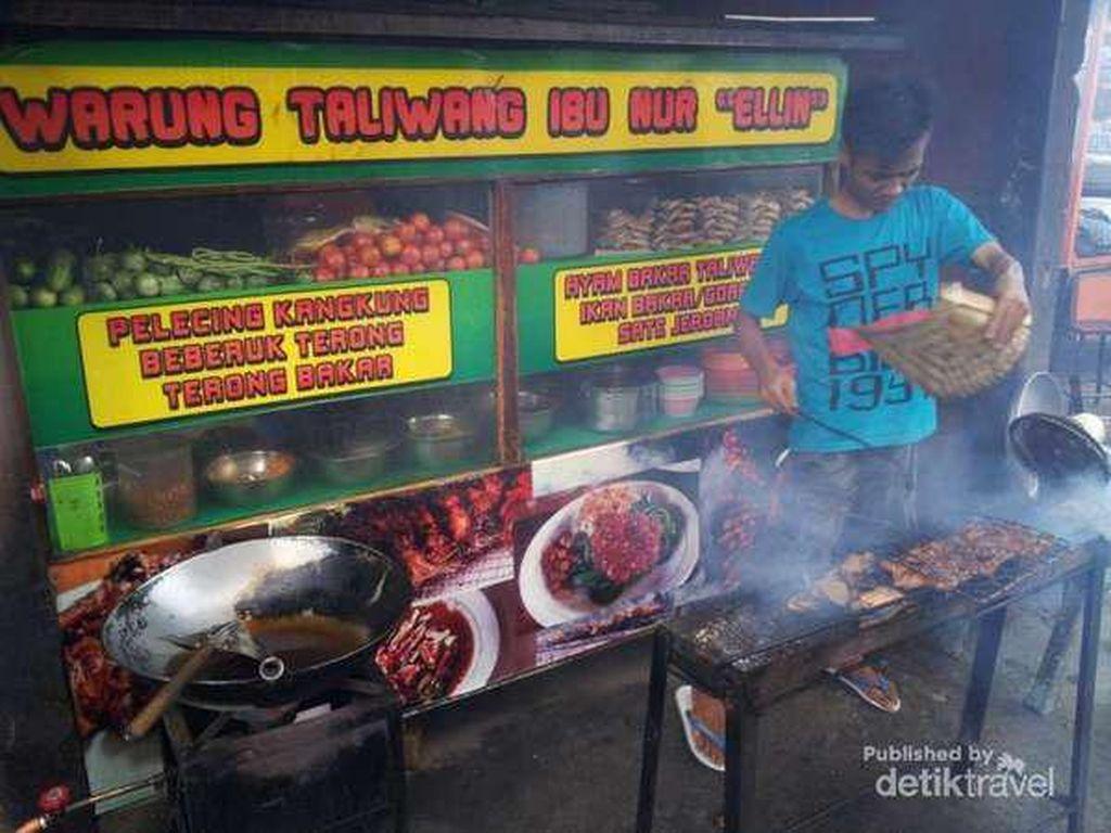 Gimana Rasanya ya, Kulineran Ayam Taliwang di Kota Asalnya