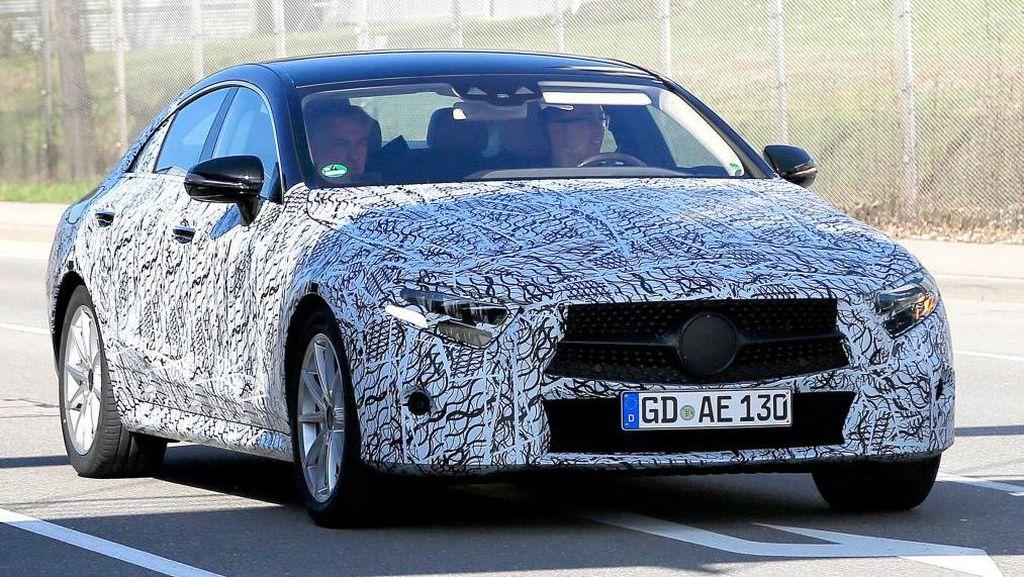 Mercedes-Benz CLS Mulai Tampakkan Diri