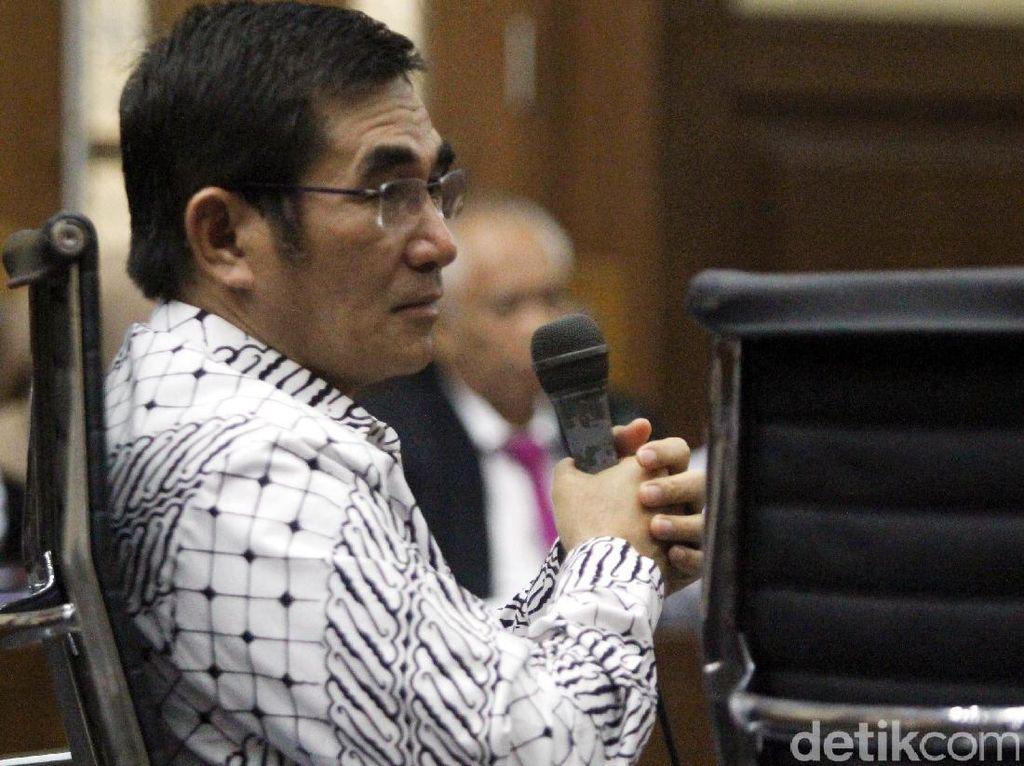 Mantan Ketua MK Bersaksi untuk Kasus Suap Akil Mochtar