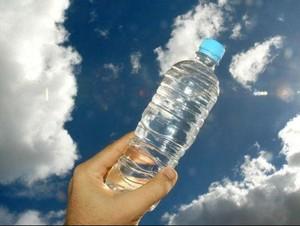 Mengapa Kita Masih Membeli Air Botolan?
