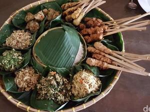 Begini Tradisi Orang Bali Megibung, Makan Bersama untuk Kekeluargaan