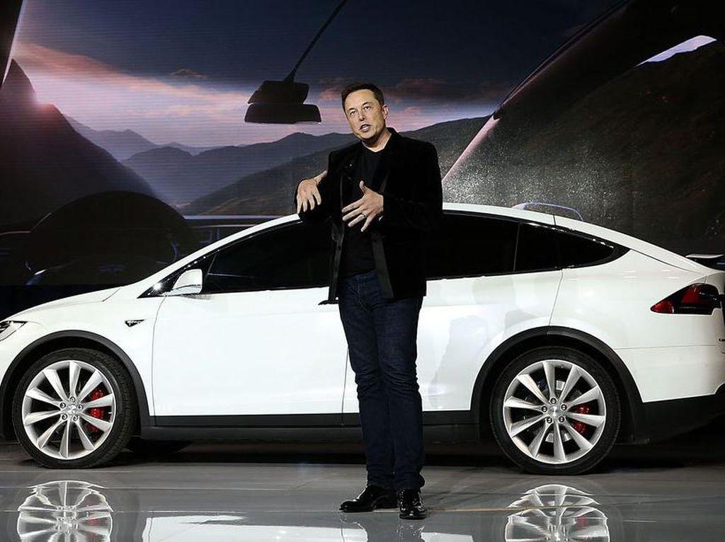 Ups! Elon Musk Cerita Tesla Pernah Ditolak Bos Apple