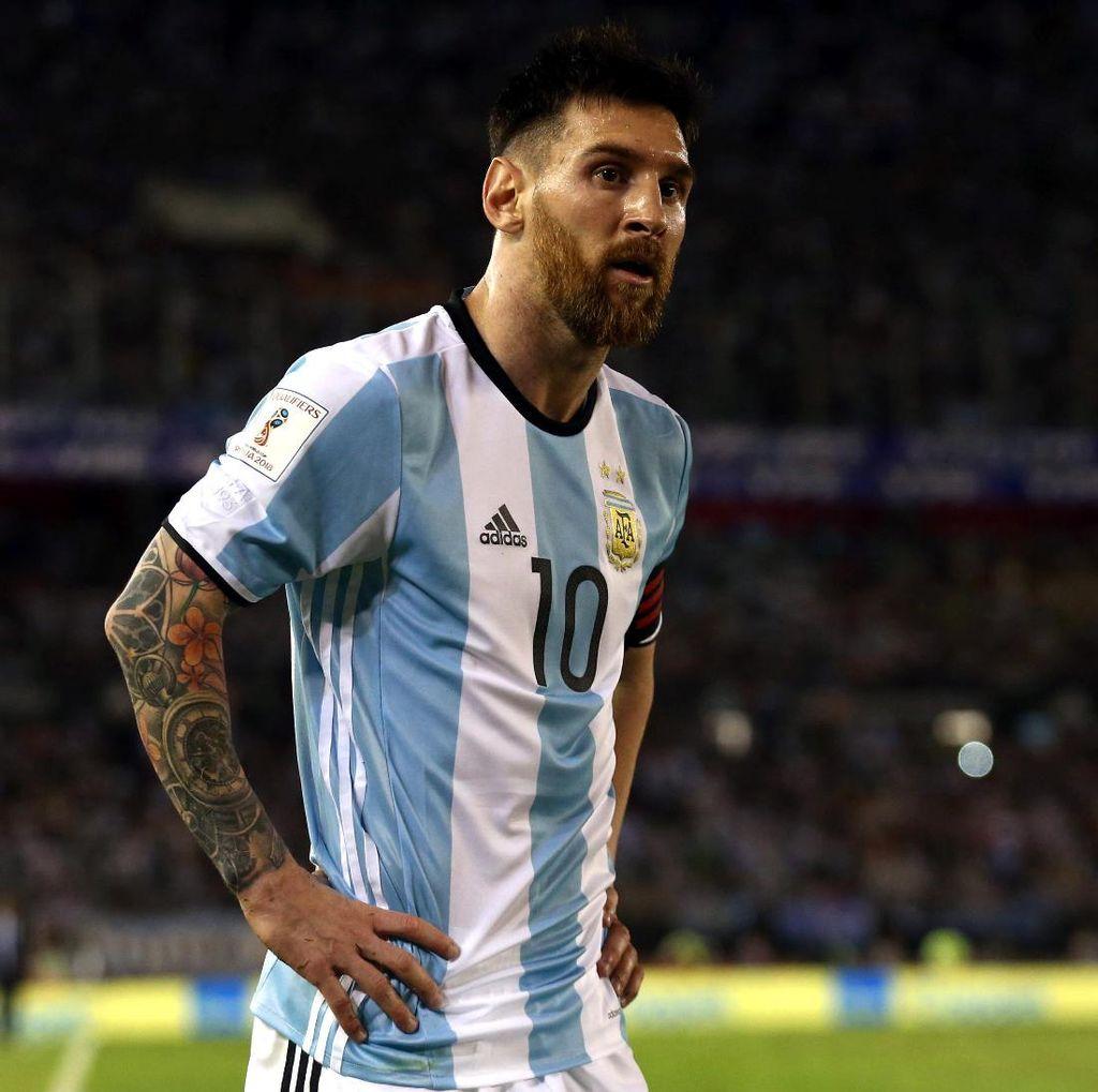 Maradona Sebut Messi Sebenarnya Pantas Dihukum Satu Laga Lagi