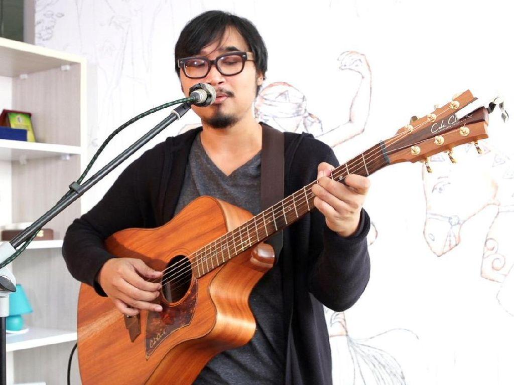Cerita Adhitia Sofyan tentang Lagu Seniman yang Tertahan 8 Tahun