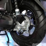 Skutik Retro Honda Kini Peleknya Lebih Kecil, Apa Alasannya?