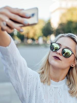 Mulai Sekarang Terapkan Tips Selfie Ini dari Fotografer Selebgram