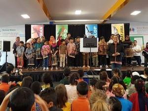 Mengajarkan Keberagaman Budaya di Sekolah Australia
