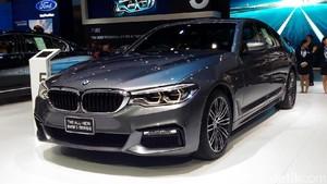 BMW Pamerkan Mobil Anyarnya di BIMS