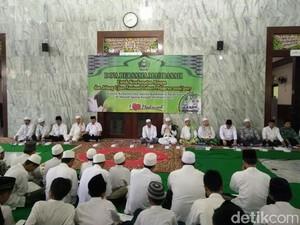 Pelajar Negeri dan Swasta di Pasuruan Doa Bersama Jelang Unas