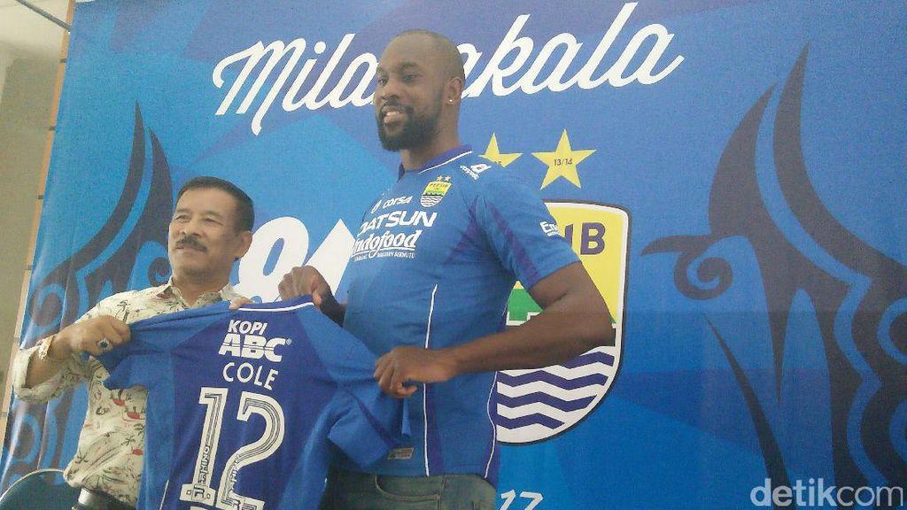 Carlton Cole: Para Pemain Indonesia Mesti Perbaiki Decision Making