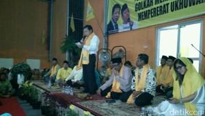 Setya Novanto Temui Guru Mengaji yang akan Diumrahkan Djarot