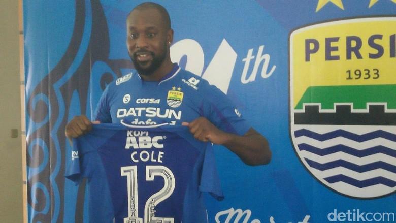 Cerita Carlton Cole Kala Dibuat Takjub dengan Suporter Indonesia