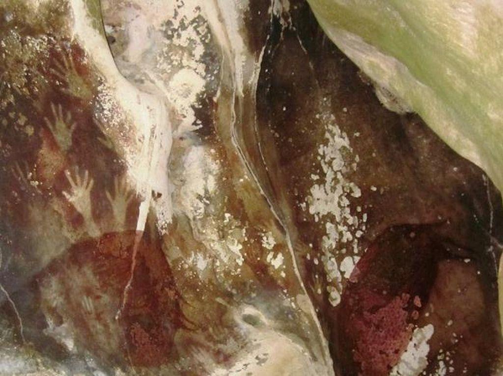 Lukisan Purba di Gua Maros Ini Berusia 40.000 Tahun?