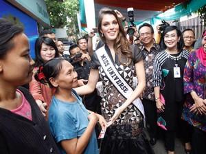 Miss Universe Salurkan Bantuan Sosial Non Tunai