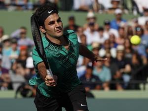 Atasi Berdych dalam Tiga Set, Federer Pijak Empat Besar