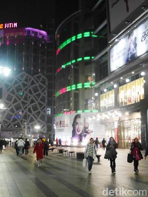 Puas Belanja Sampai Dini Hari di Dongdaemun