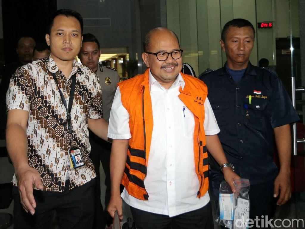 GM PT PAL Berompi Tahanan KPK
