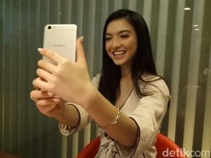 Kamar Jadi Lokasi Terbaik Selfie Raline Shah