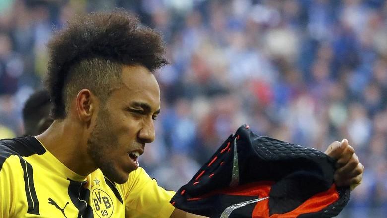 Kini Giliran Topeng Aubameyang yang Mengusik Dortmund