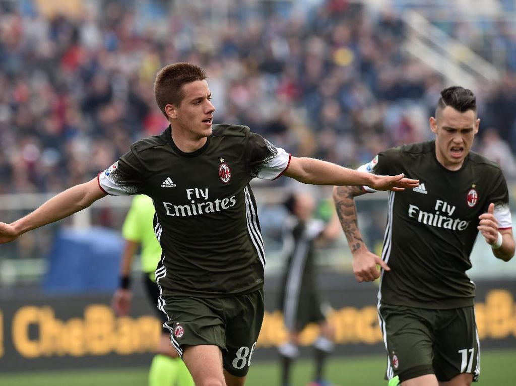 Milan Diimbangi Pescara 1-1