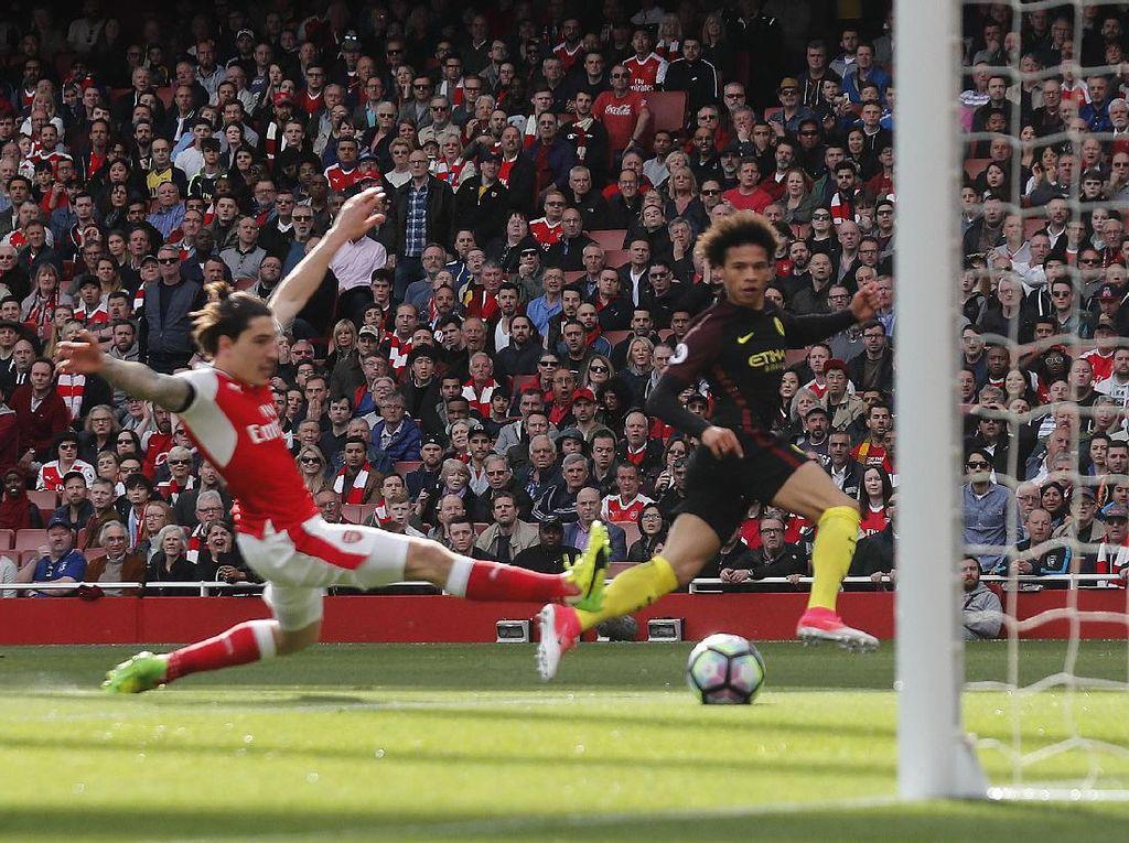 City Sementara Ungguli Arsenal 2-1
