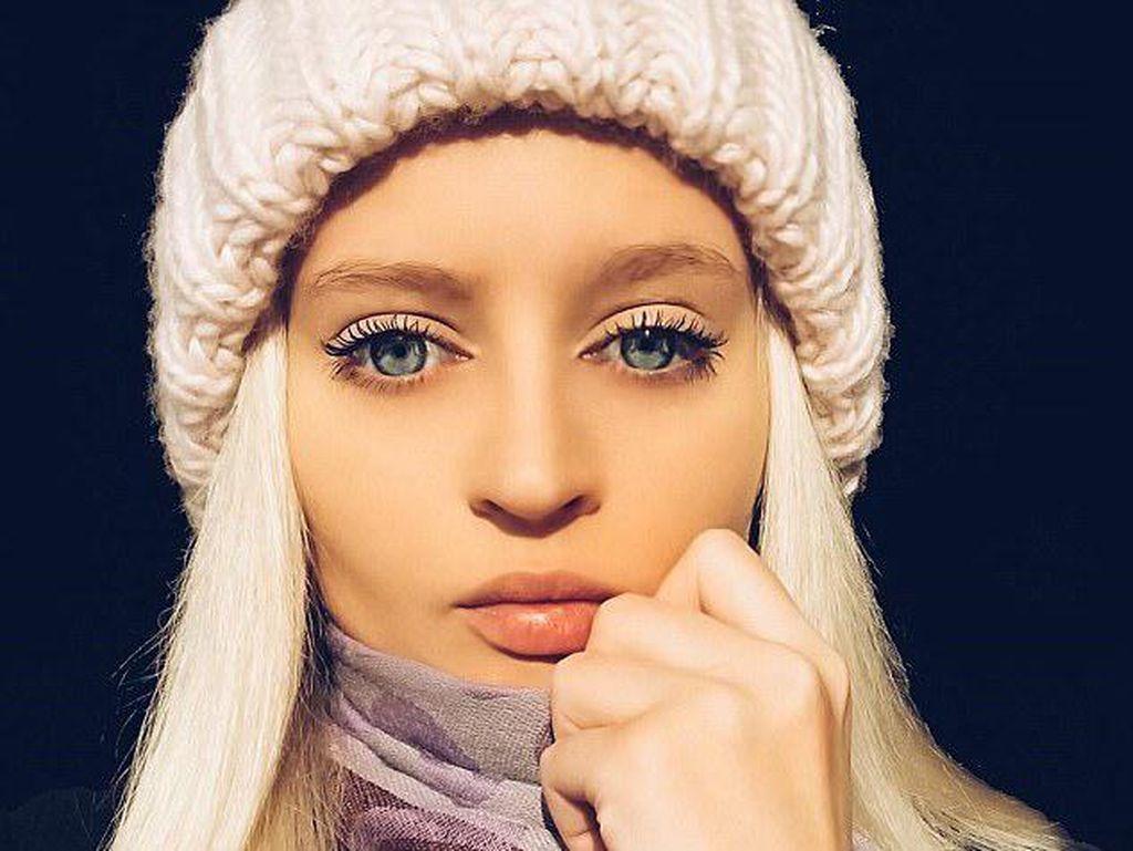 Makan Sehari Sekali, Wanita Barbie Ini Menolak Disebut Anoreksia