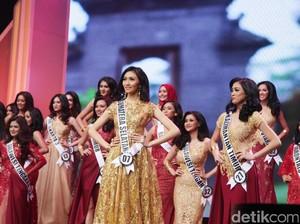 Foto: Cantiknya Finalis Puteri Indonesia 2017 Bergaun Merah