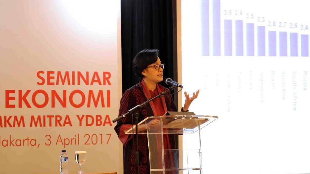 Sri Mulyani Hadiri Seminar Ekonomi Makro
