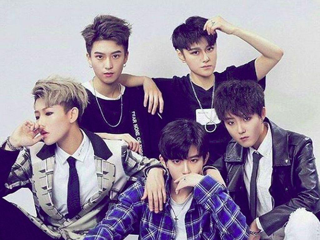 Acrush, Idol Group Baru Asal China yang Klaim Tak Ada Gender
