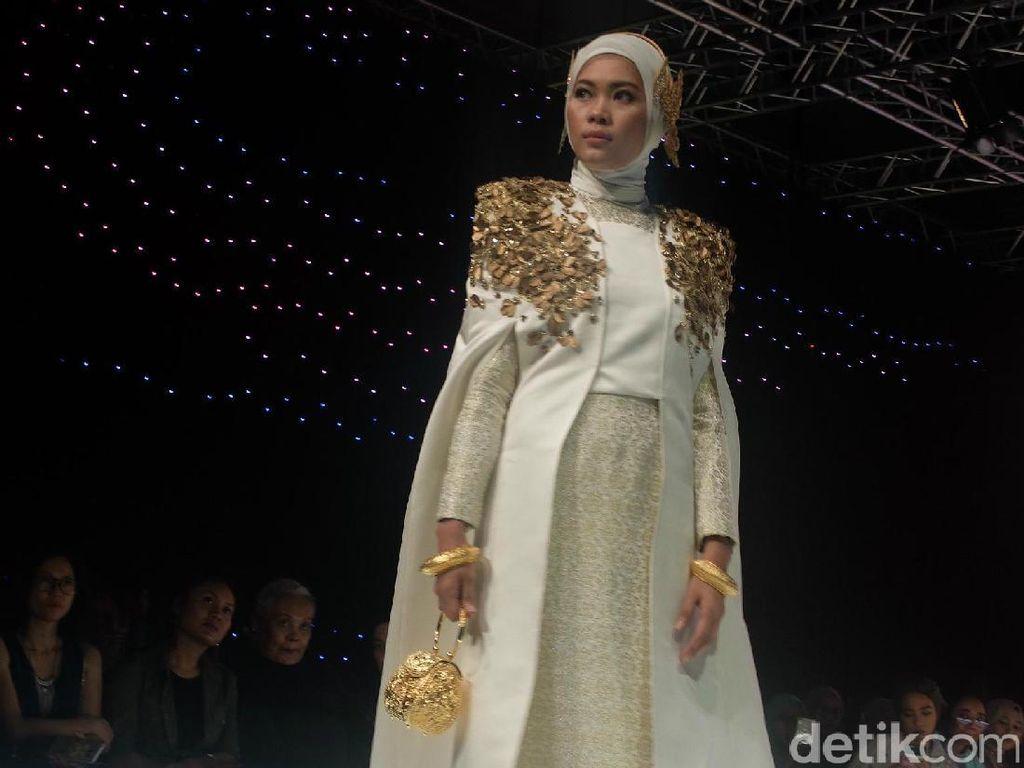 Hijabers Malaysia Sambut Hangat Koleksi Dian Pelangi di AIFW