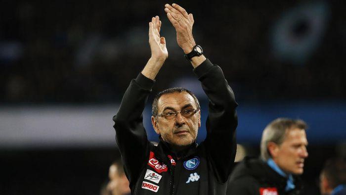 Maurizio Sarri saat masih menjadi pelatih Napoli di musim lalu. (Foto: Reuters / Ciro De Luca)