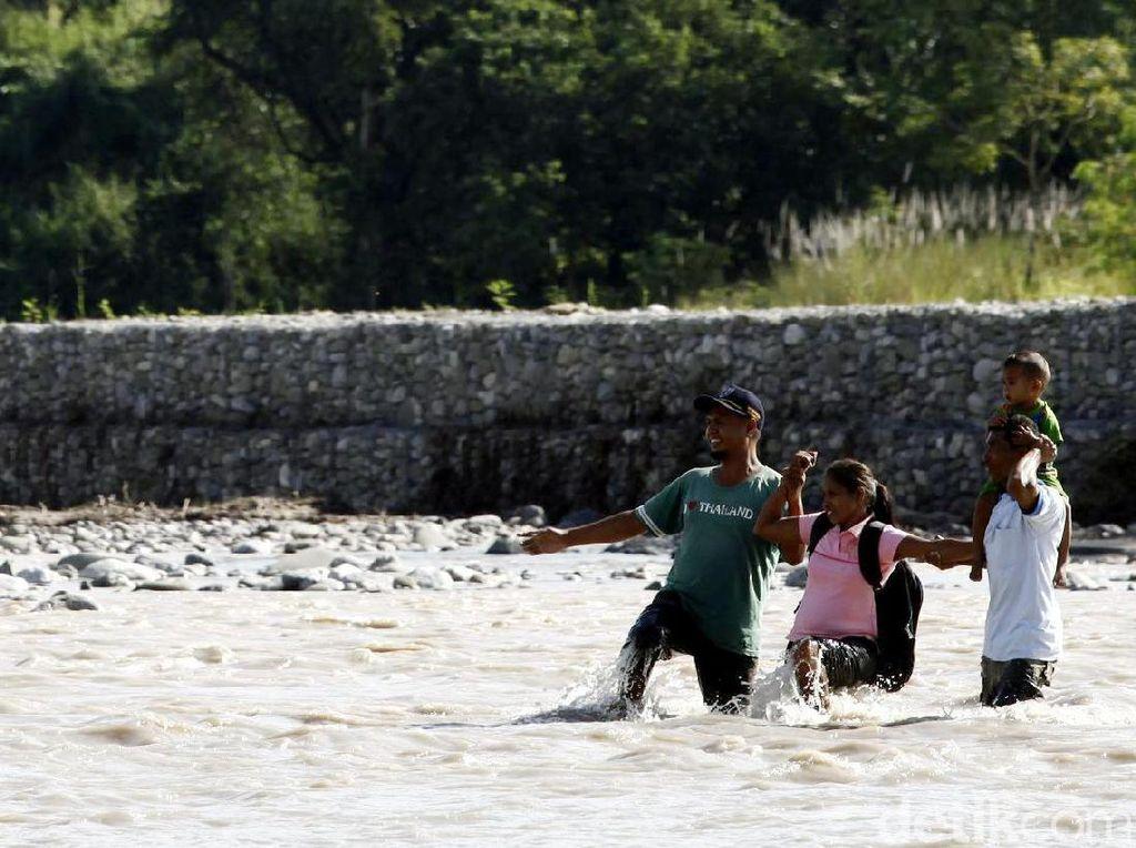 Perjuangan Warga Timor Leste Masuk Ke Indonesia