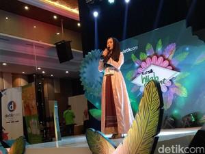 Foto: Momen Haru di Sunsilk Hijab Hunt Palembang yang Buat Nycta Gina Nangis