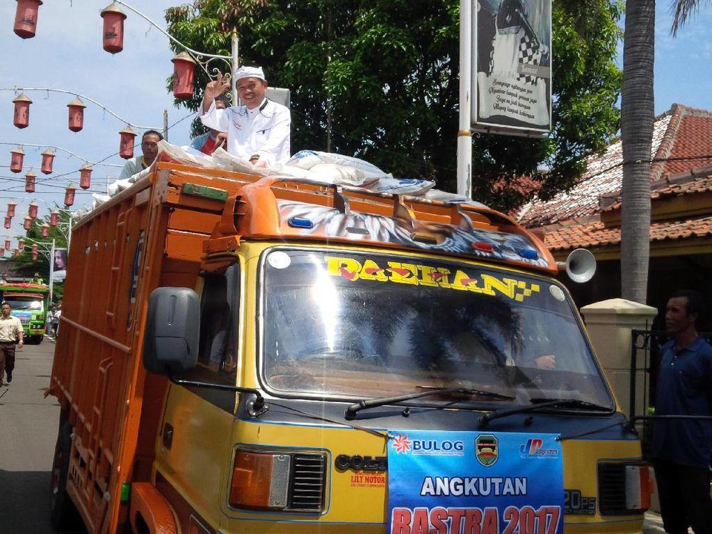 46.582 Keluarga di Purwakarta Dapat Jatah Beras Sejahtera