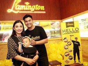 5 Selebriti Indonesia Ini Pakaikan Anaknya Kalung Amber, Kalung Anti Rewel