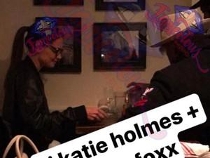 Katie Holmes dan Jamie Foxx Kepergok Kencan, Ini Buktinya