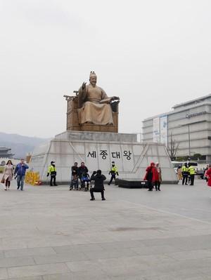 Cara Korea Selatan Tingkatkan Kunjungan Turis Muslim