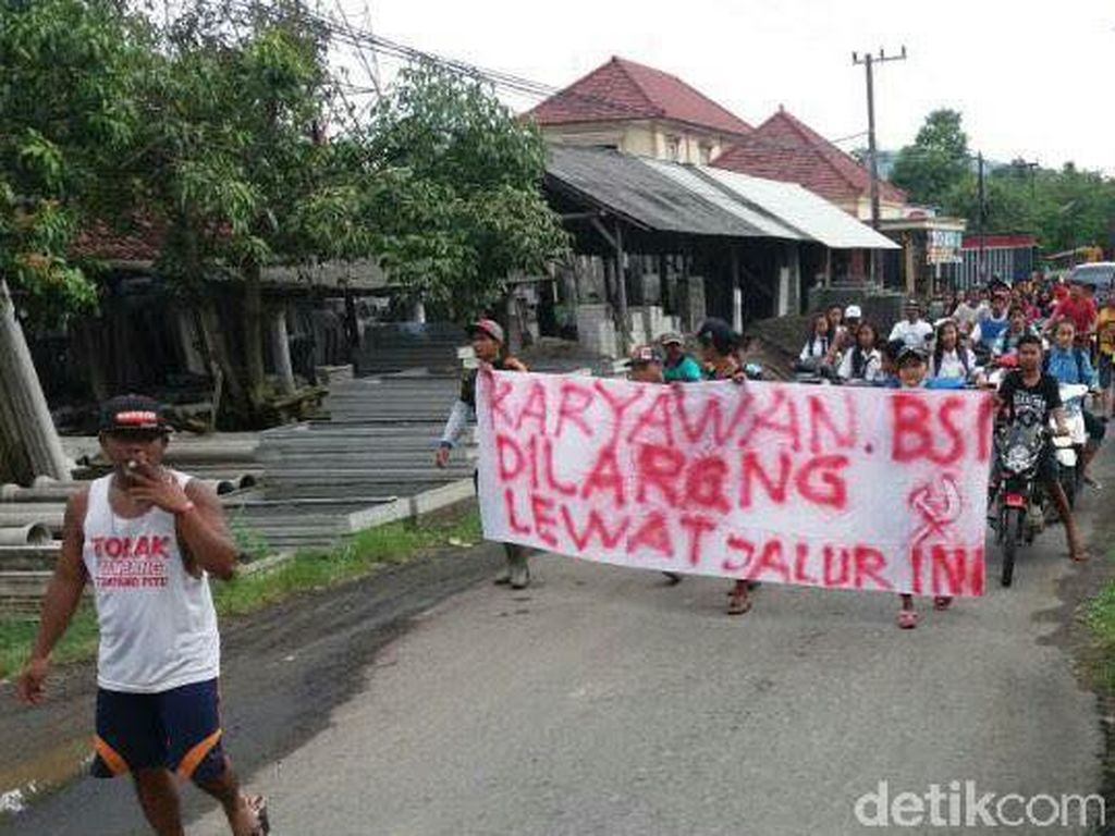 Ulama Minta Polisi Tuntaskan Kasus Demo Berlambang Palu Arit