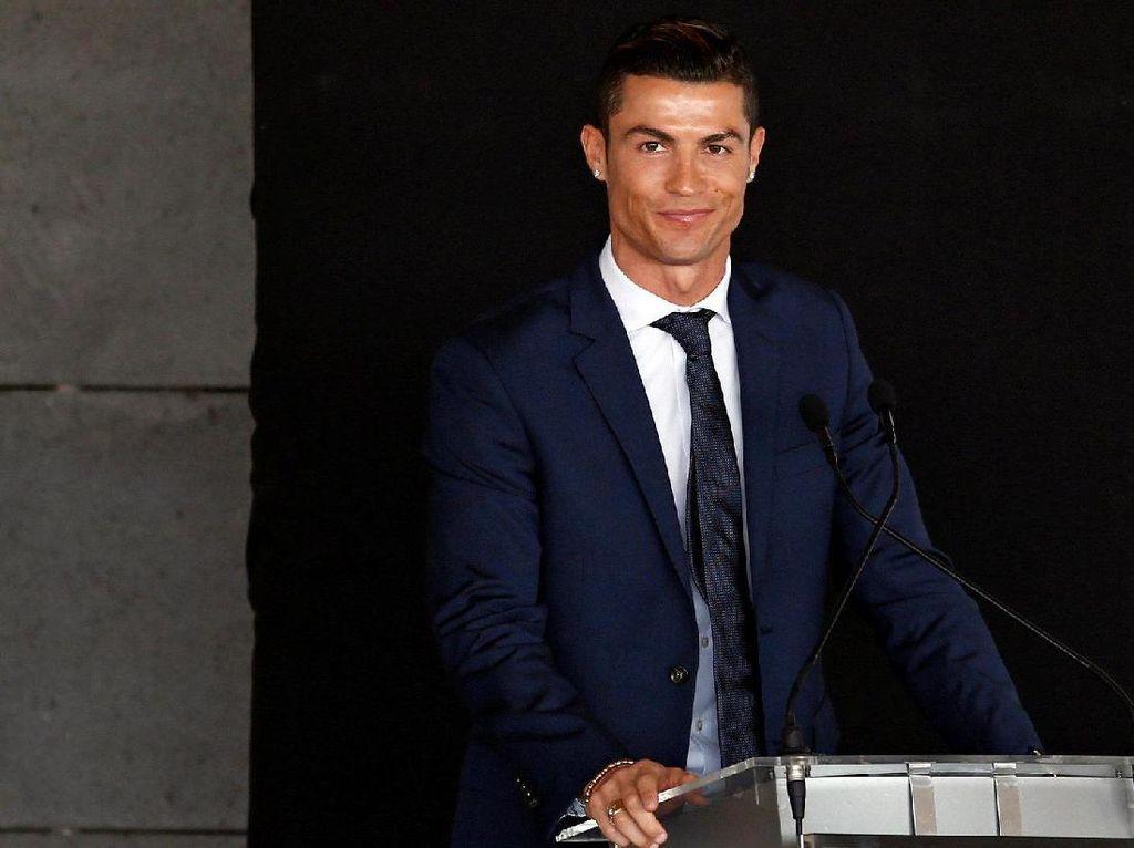 Martunis Lelang Jersey Pemberian Cristiano Ronaldo, Tujuannya Mulia