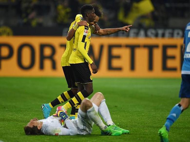 Dortmund Bekuk Hamburg 3-0