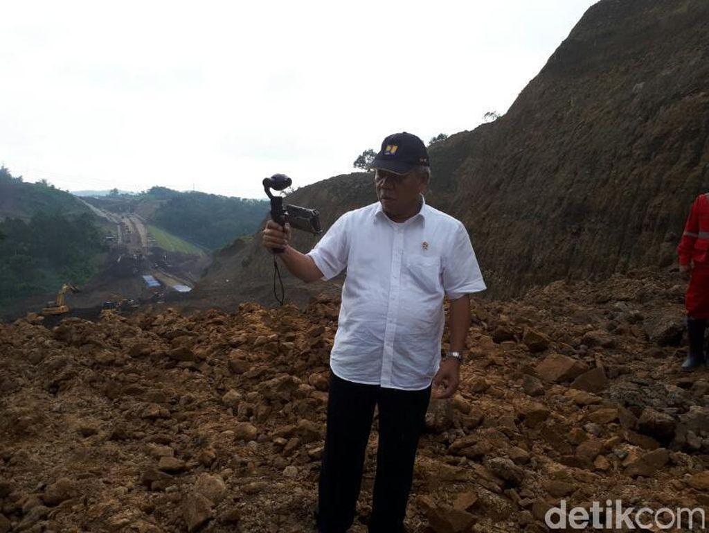 Gaya Menteri PUPR Vlogging di Proyek Tol Bawen-Salatiga