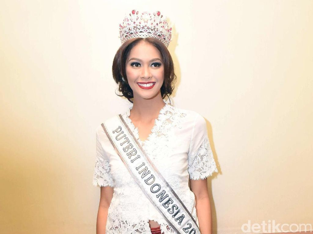 Intip Pose Seksi Puteri Indonesia 2017