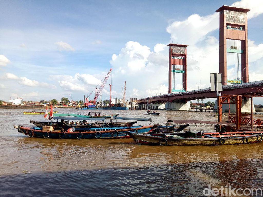Pemkot Palembang Akan Tarik Retribusi Kapal yang Melintas di Musi