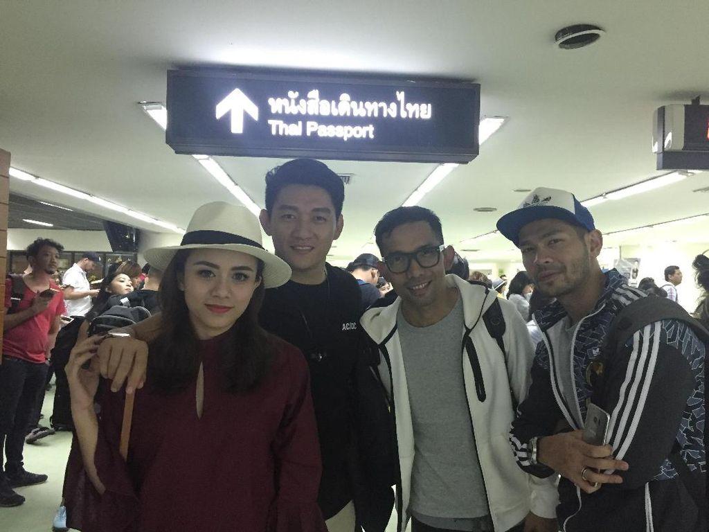 Ini Alasan Selebritis Indonesia Pilih Nonton Coldplay di Bangkok