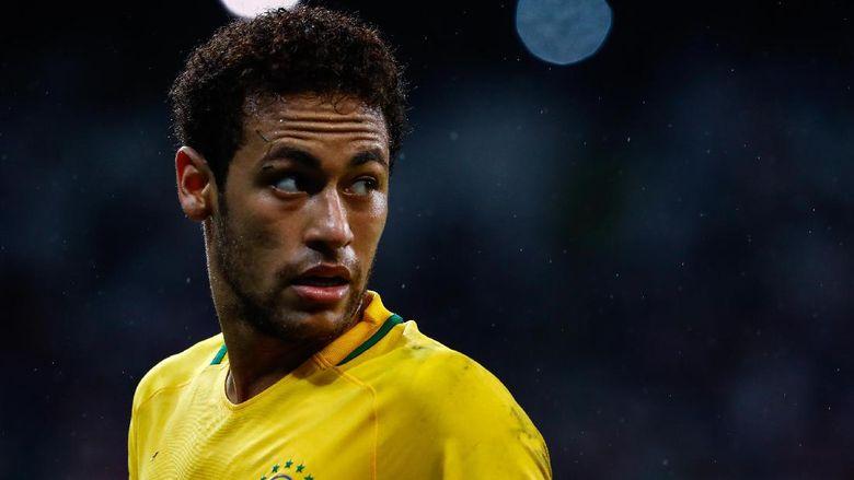 Kocak! Aksi Gagal Neymar Saat Hendak Pamer Kelincahan Kaki